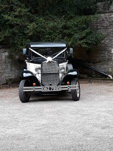 Heritage Burghwalls - Vintage Wedding Car